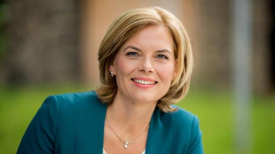 portrait photo Federal Minister Julia Klöckner